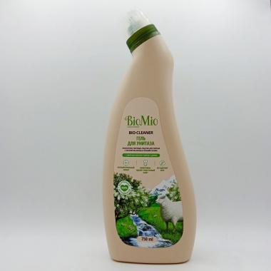 """Экологичное чистящее средство для унитаза. Чайное дерево/750мл """"BioMio"""""""