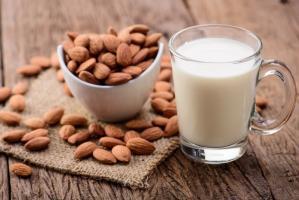 Миндальное молоко: рецепты и секреты